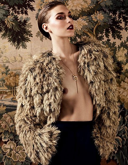 VOGUE-RUSSIA-WELL_Hedi-Sliman---Arizona-Muse-11