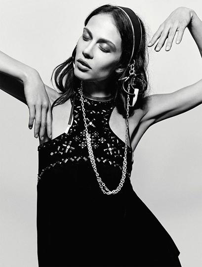 Vogue_Italia_plaAWBF00sG2iEa9_-U6pnV9NH9cWLv9fKpl3eoV3wA