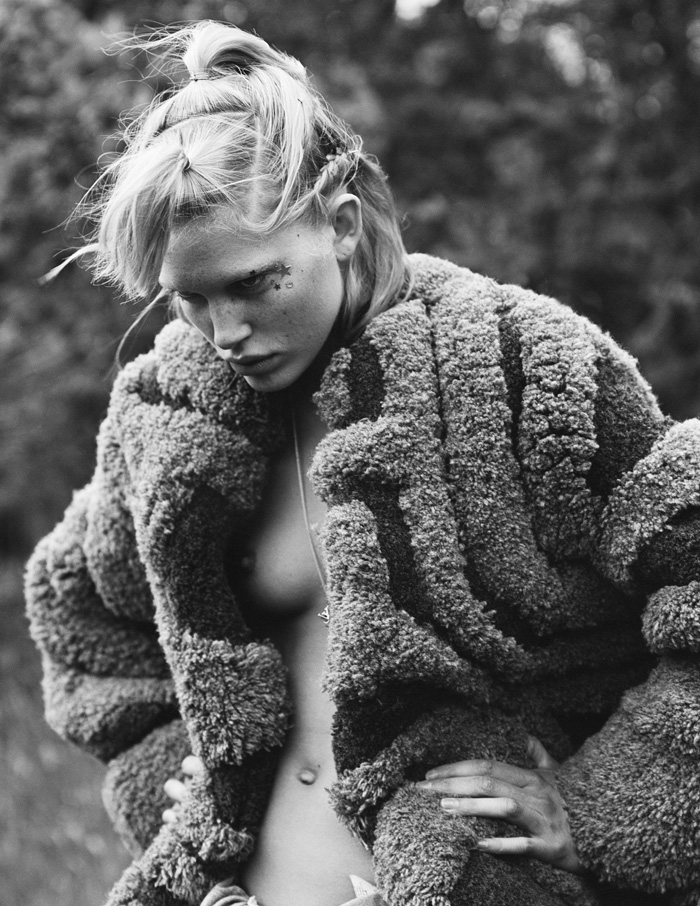 i-D_Magazine_Iselin_Featured